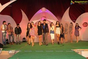 Meet The Stars Fashion Show
