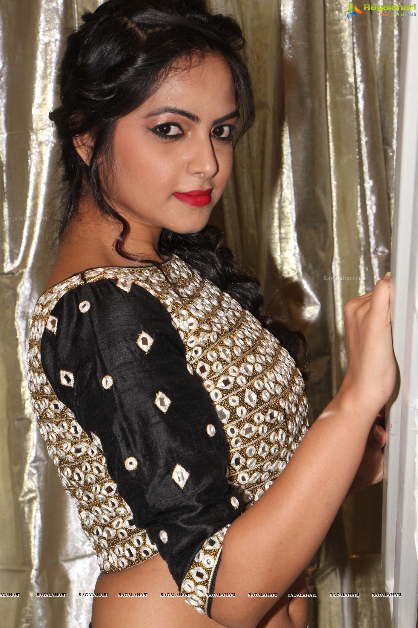 Richa Singh (Posters)