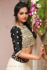 Richa Singh Photos