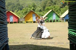 Sumanth Ashwin Anisha Ambrose Fashion Designer S O Ladies Tailor Song Stills