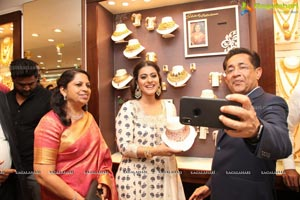 Kajol Meet & Greet at Joyalukkas in Punjagutta