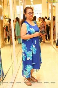 Meena Bazar Launches Its New Showroom at Banjara Hills