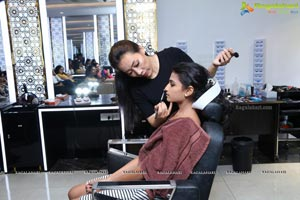 Shapes Style Lounge Presents Free Makeup Workshop