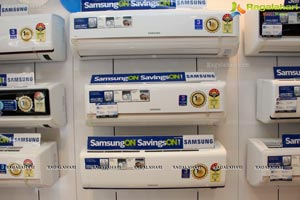 Archana launches Samsung Digital Plaza