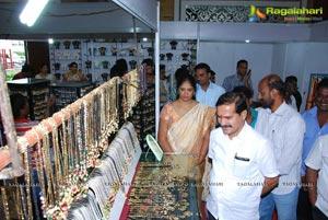 Styles n Weaves Exhibition at Hanumakonda
