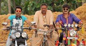 Govindudu Andarivadele HD Photos