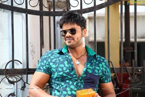 Manoj in Current Theega