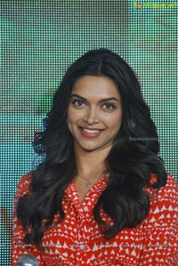 Photos: Deepika Padukone at Finding Fanny Song Launch