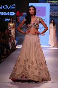 Lakshmi Fashion Week