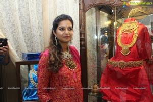 Swathi inaugurates PMJ Jewellery Exhibition