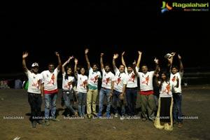 L7 Team at Vizag Beach