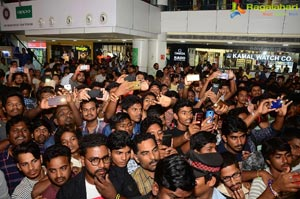 Nannu Dochukundhuvate Team at CMR Mall in Vizag