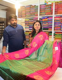 Niharika Dash Silk India Expo