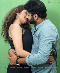 Ammayi Premalo Padithe Movie Stills