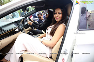 Catherine Tresa Launches Limousine Cabs Limited