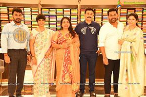 Faria Abdullah Launches Mandir New Shopping Mall At Patny