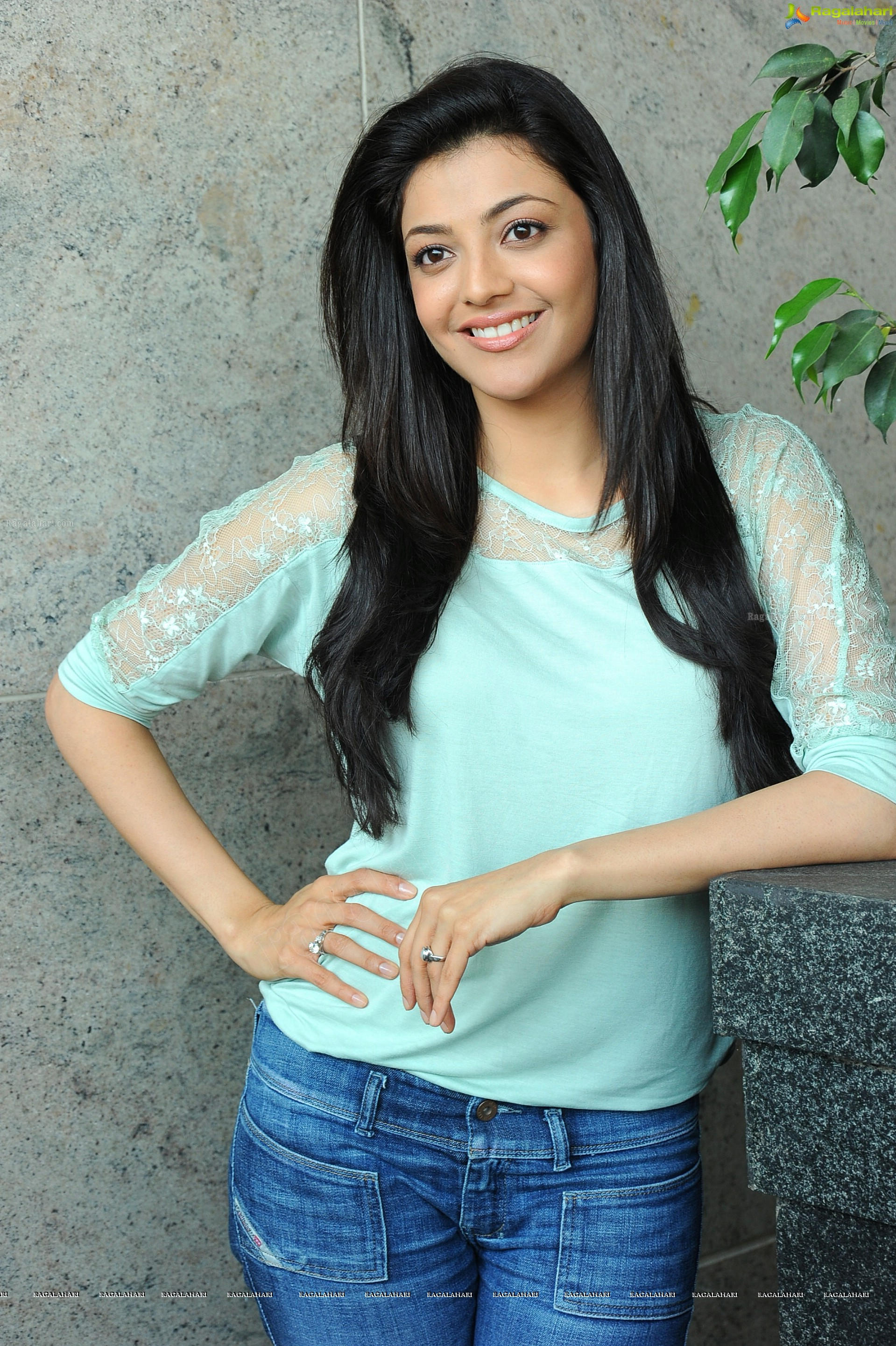 Kajal Aggarwal in T-Shirt and Jeans, HD Photos, Stills, Images