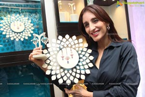 Tanishq Farah Khan Collections