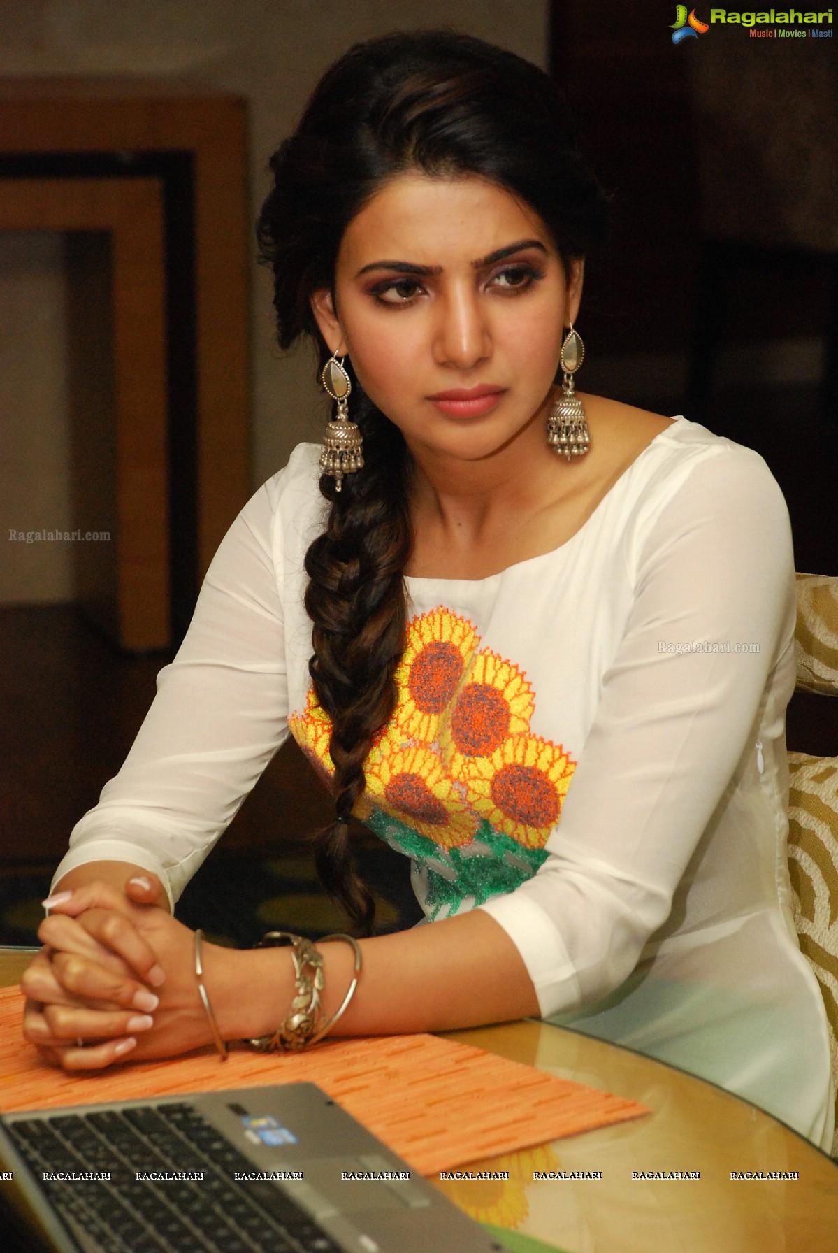 Samantha at Charity Awards of United Way of Hyderabad