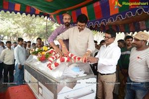 Celebs pay homage to Ranganath