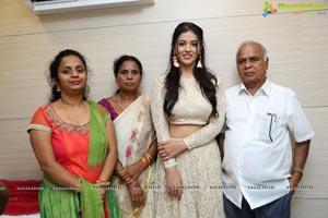Priyanka Jawalkar Inaugurates Be You Salon at Nalgonda