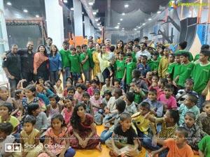 Raashi Khanna Celebrates Her Birthday With Orphans