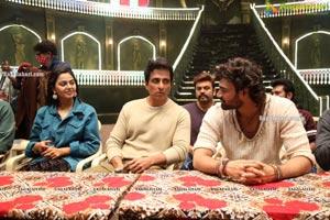 Alludu Adhurs Movie Shooting Coverage