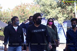 Allu Arjun and Samantha From the Sets of SamJam