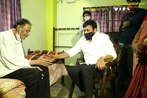 Chiranjeevi Meets Sr. Journalist Ram Mohan Naidu