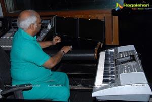 Emo Gurram Egaravachu in Recording