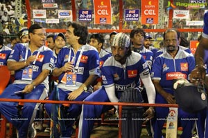 CCL 2013: Chennai Rhinos Vs Karnataka Bulldozers