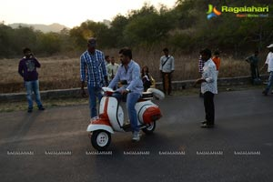 Athadu Aame Oo Scooter Song Working