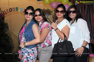 Gorgeous Girls Club Floral Theme