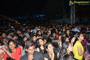 Tholiprema VNR College