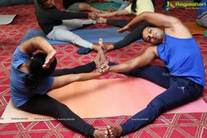 Partner Yoga - Valentine's Day Special with Rina Hindocha