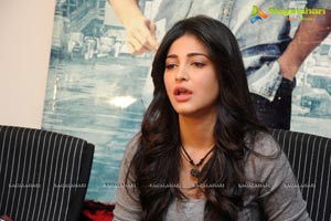 Yevadu Press Meet