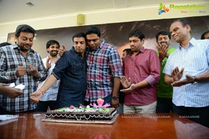Yevadu Success Meet Photos