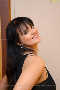 Saloni High Quality Photos
