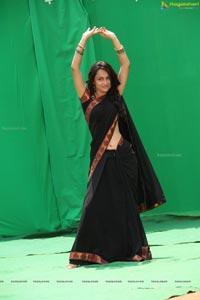 Simmi Das in Black Saree