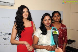 Vasundhara Salon Premium Rewards Card launch by Andleeb Zaid