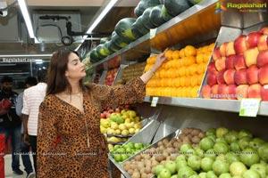 Actress Antra Raut Visits Pure O Natural at MLA Colony
