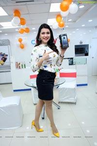 Xiaomi Mi 10i New Mobile Launch by Mannara Chopra at Cellbay