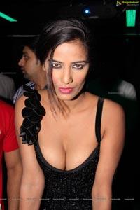 Poonam Pandey Leaked Hot Photos