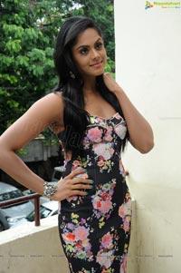 Tamil Actress Karthika Nair