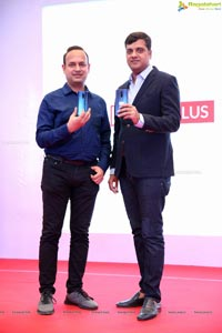 OnePlus Announces Its Partership with Bajaj Electronics
