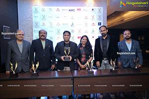 Vysya Limelight Awardes Interacting With Awardees