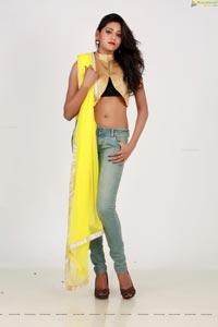 Telugu Heroine Shalu Chourasiya