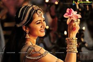 Rudramadevi Anushka