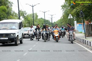 Jadugar Anand Blindfold Motor Cycle