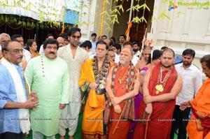 Vishaka Saradha Peetam Swami Visits Filmnagar Temple